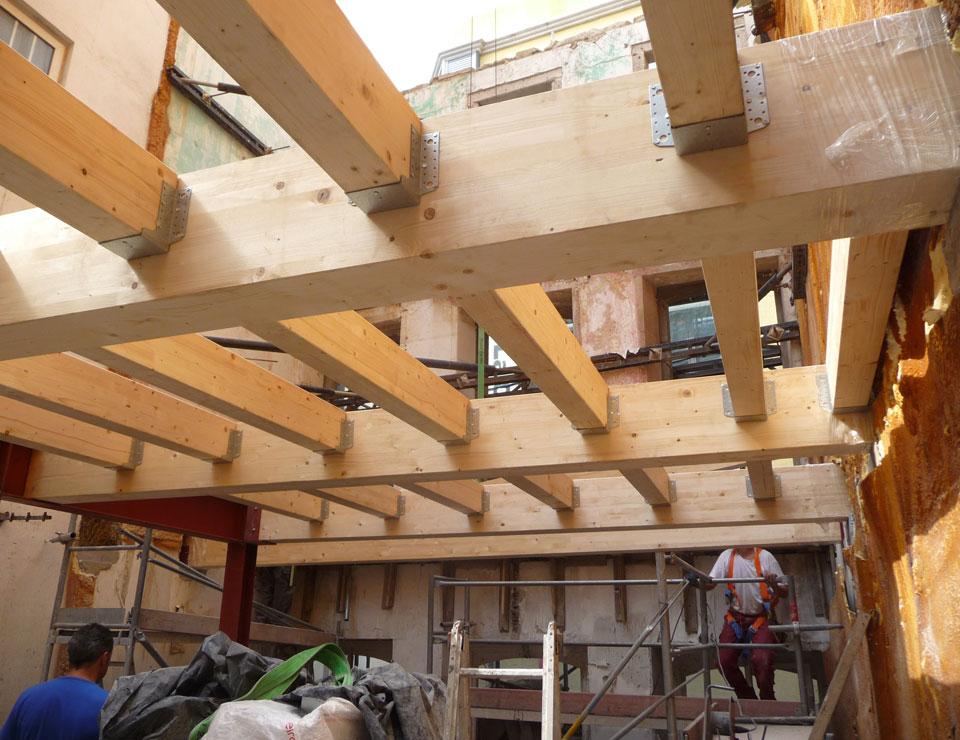 Rehabilitación de dos edificios en casco histórico para viviendas en A Coruña