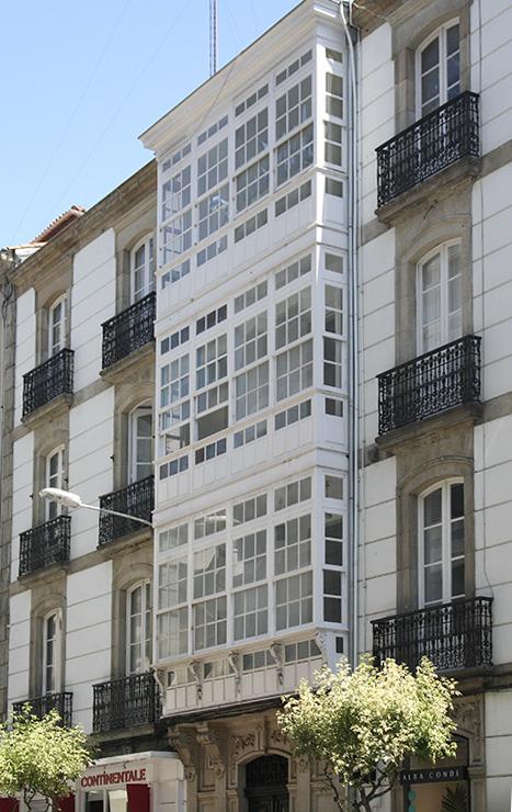 Rehabilitación de zonas comunes de edif. en C/Padre Feijoó